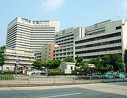 名古屋市立大学病院。 名古屋市瑞穂区、文教地域の中枢。