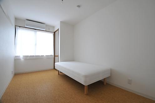 すっきりした個室。シェアハウス志賀本通 D-FLAT05