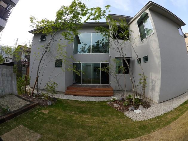 シェアハウスLT城西:五月の庭