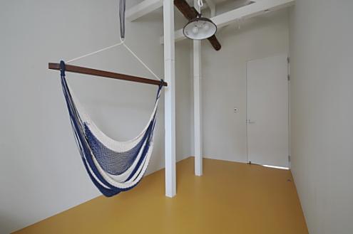シェアハウス桜山。個室にもハンモック有ります。